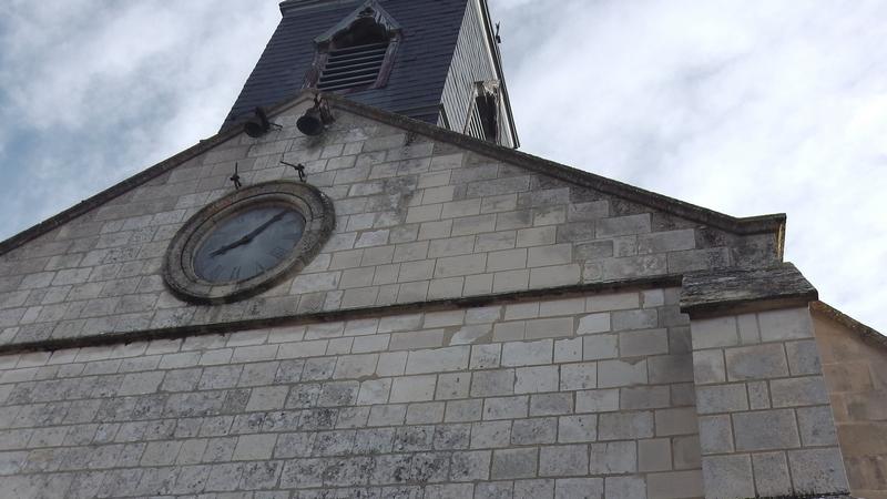 Réparation clocher de l'église et remplacement des pierres de la façade