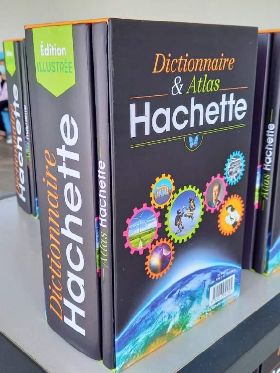 Remise des dictionnaires aux CM2